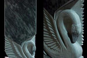 заготовка под мраморный памятник в форме лебедя