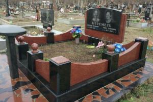 надгробный комплекс из габбровского и лезниковского гранита