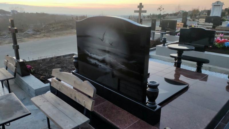 гравировка моря на памятнике